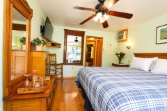 accommodations-russian-river-hotel-1